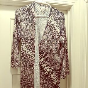 Robe with double closure